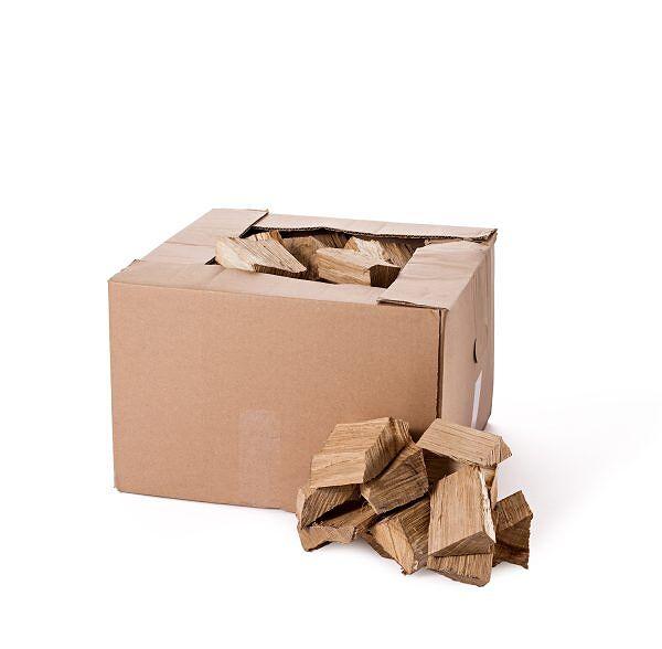 Eichen BBQ Box mit Scheitern aus Eichenholz.